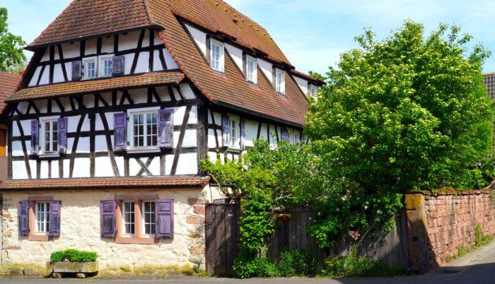 Kauf einer älteren Immobilie – Was es dabei zu beachten gibt